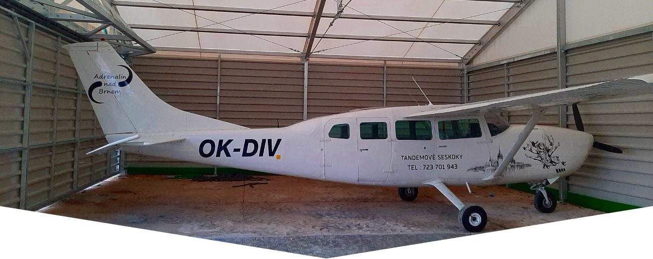 hangar para el Cessna